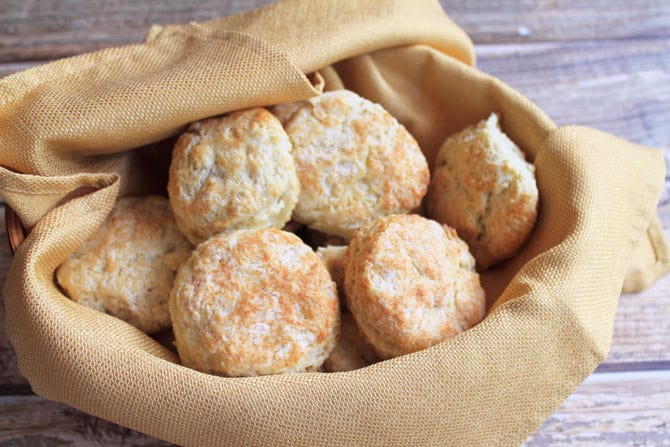 buttermilk biscuit-in-basket-670x447|2CookinMamas