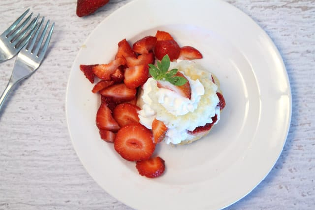 Strawberry Shortcake 640| 2CookinMamas