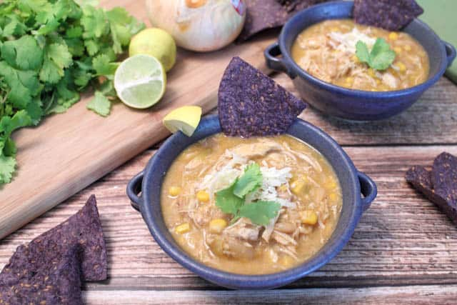 Crockpot White Chicken Chili 640a | 2CookinMamas