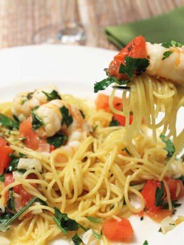 Shrimp Scampi square | 2 Cookin Mamas