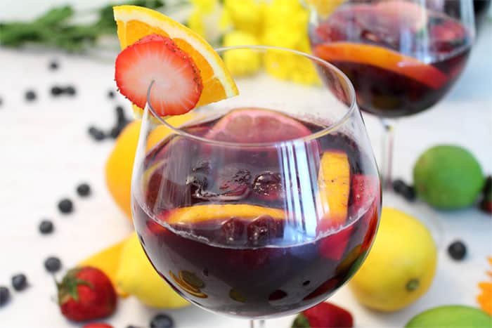 Easy Sangria closeup | 2 Cookin Mamas
