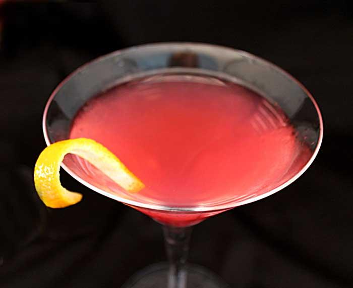 Classic Martinis Cosmopolitan closeup | 2 Cookin Mamas