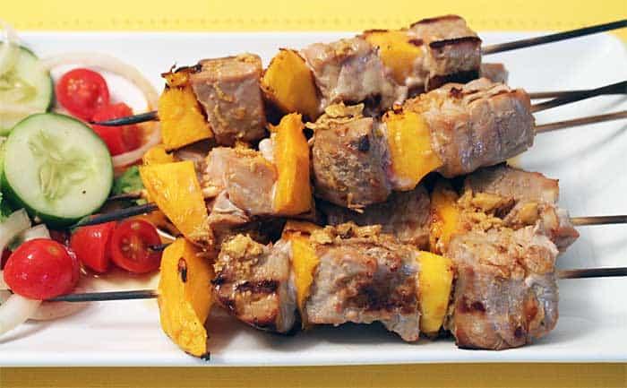Seared Tuna and Mango Kabobs close up lge