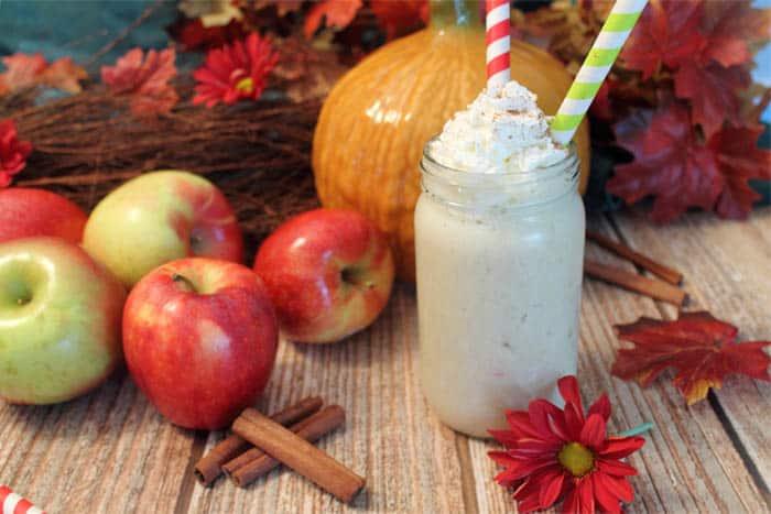 Apple Pie Smoothie 1 | 2 Cookin Mamas