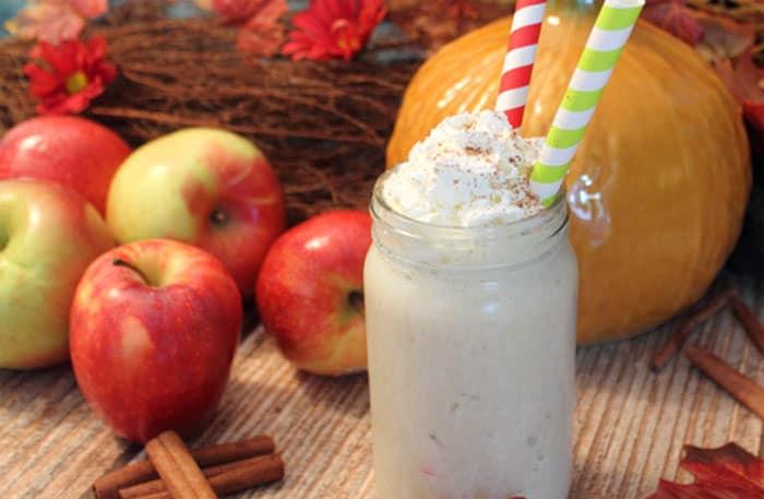 Apple Pie Smoothie closeup | 2 Cookin Mamas