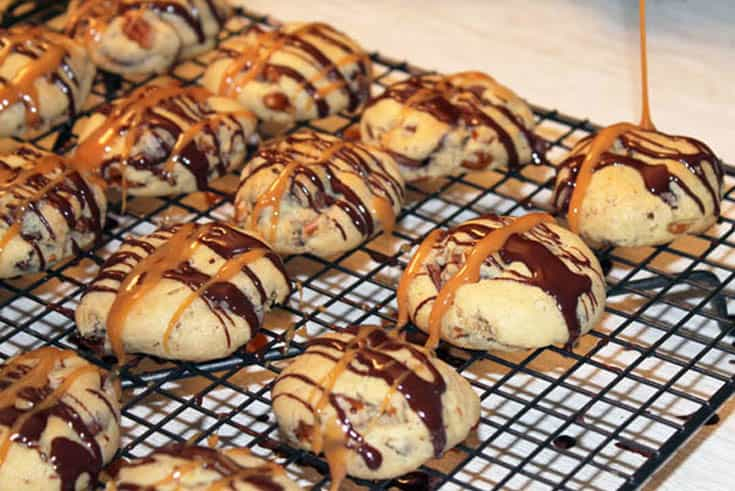 Turtle Cheesecake Cookies drizzle | 2 Cookin Mamas