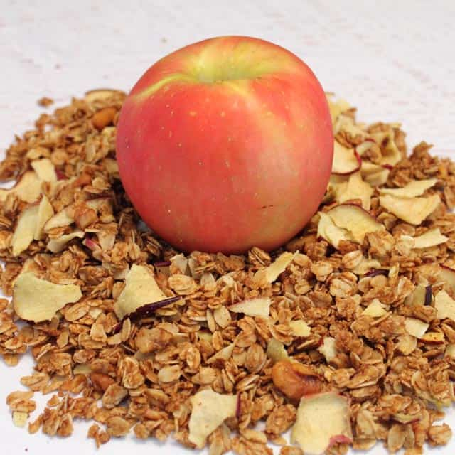 Apple Crisp Granola square|2CookinMamas