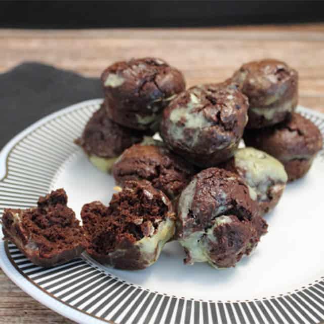 Thin Mint Avocado Brownie Bites square|2CookinMamas