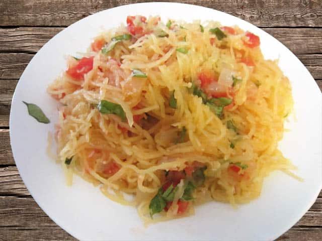 Tomato and Basil Spaghetti Squash 640 2CookinMamas