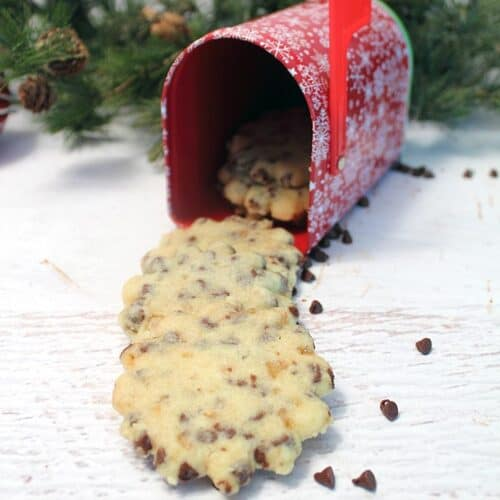 Chocolate Chip Toffee Shortbread Cookies - Cookie Swap ...