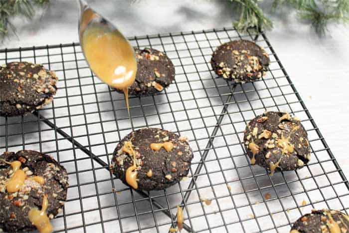 Salted Chocolate Caramel Cookies drizzle | 2 Cookin Mamas
