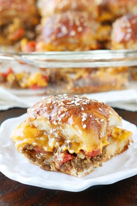 mini-cheeseburger-party-buns kevin and amanda