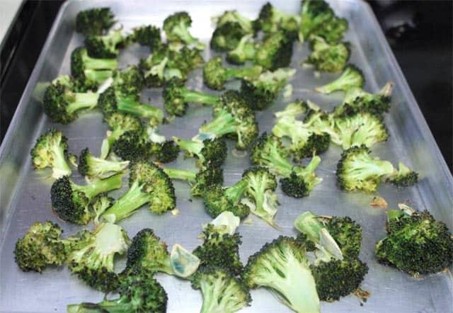 Roasted Quinoa Broccoli Salad 640 | 2CookinMamas