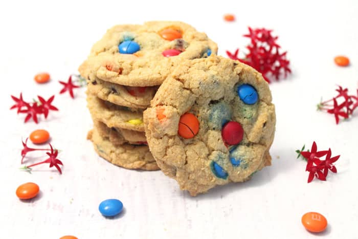 M&Ms Chocolate Chip Cookies 1 2CookinMamas