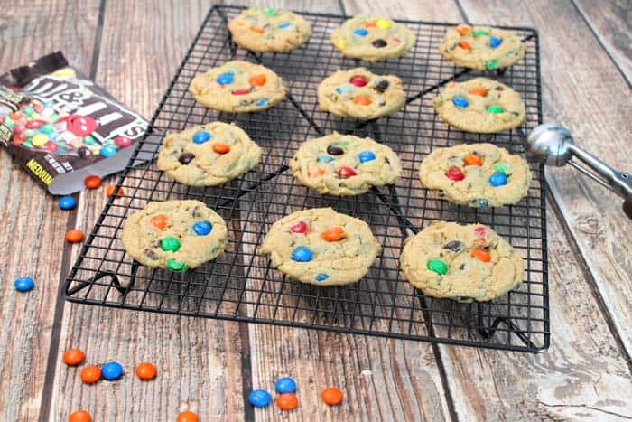 M&Ms Chocolate Chip Cookies cooling | 2 Cookin Mamas