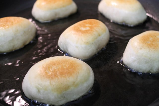 bread cakes close up frying 2CookinMamas