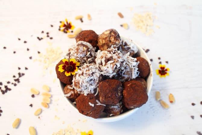Peanut Butter Energy Balls | 2 Cookin Mamas