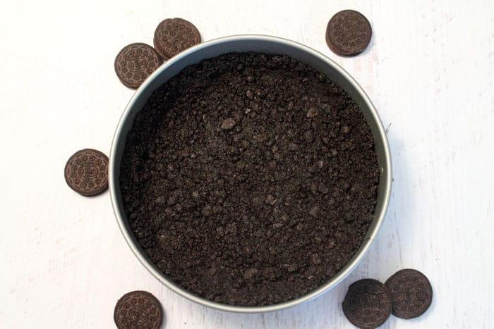 Salted Caramel Pecan Chocolate Pie crust | 2 Cookin Mamas