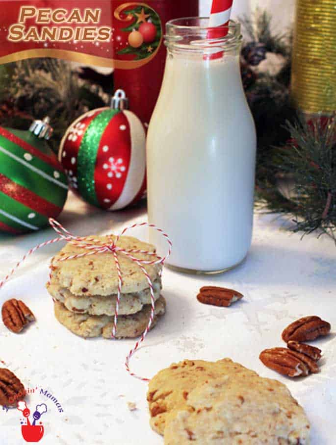 These Pecan Sandies are delicious shortbread style cookies with plenty of nutty goodness. #cookies #recipe #pecans #Christmascookies