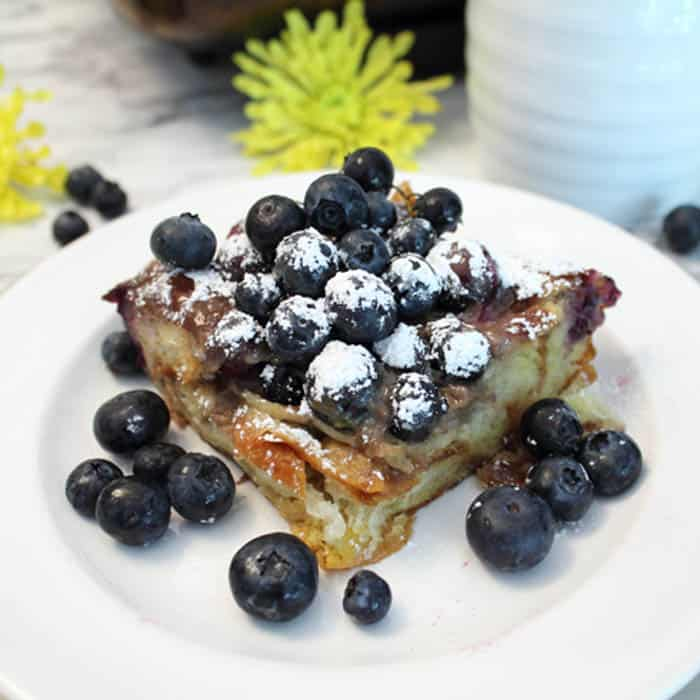 Blueberry French Toast Bake square | 2 Cookin Mamas