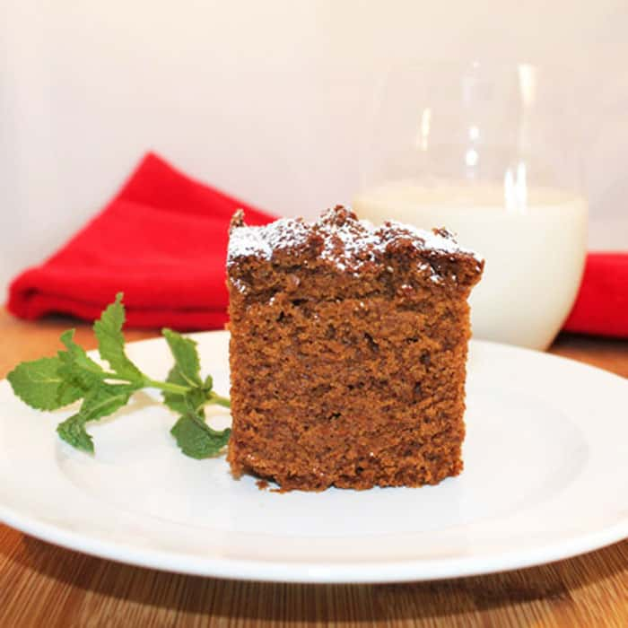 Our Gingerbread quick bread is full of rich molasses flavor & spiced up with plenty of ginger & cinnamon. Sure to be a favorite for breakfast or dessert! #gingerbread #breakfastbread #quickbread #dessert
