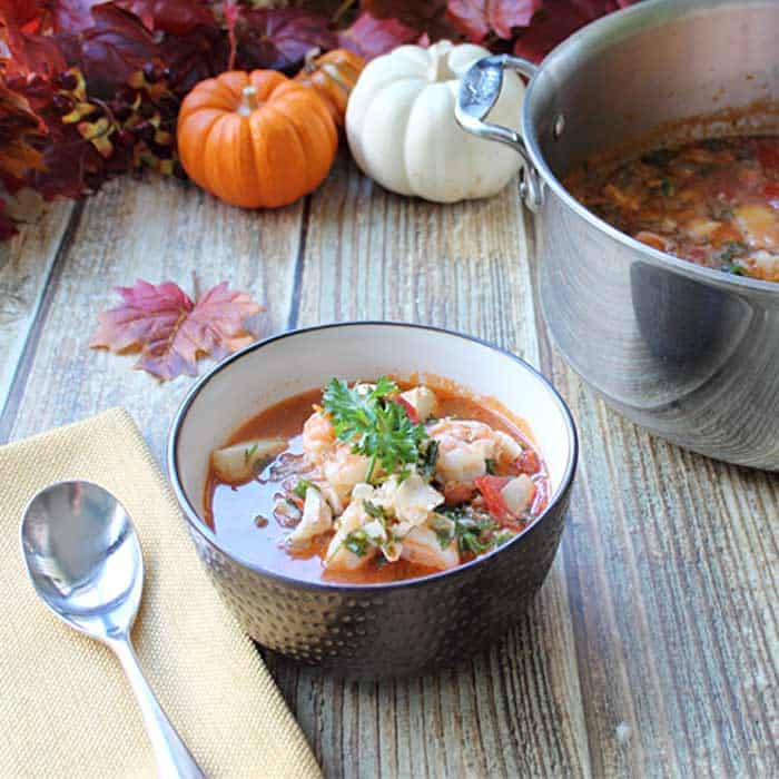 30 Minute Seafood Stew square 1 | 2 Cookin Mamas