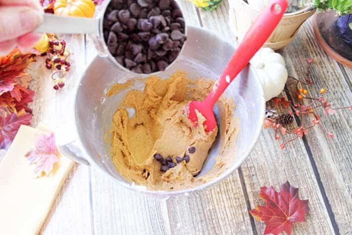 Pumpkin Chocolate Spice Bars 3 | 2 Cookin Mamas