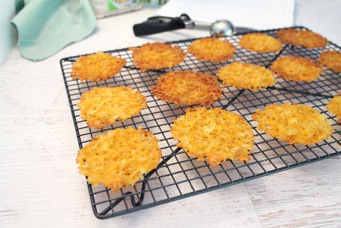Cheesy Rice Crisps baked | 2 Cookin Mamas