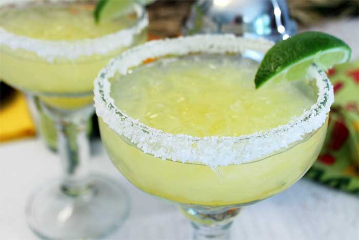 Margaritas on the rocks single closeup | 2 Cookin Mamas