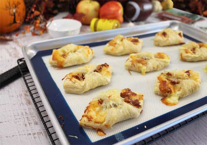 Cheesy Apple Bacon Bundles baked closeup