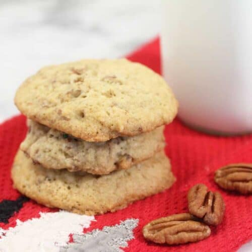 Butter Pecan Ice Cream Cookies closeup square