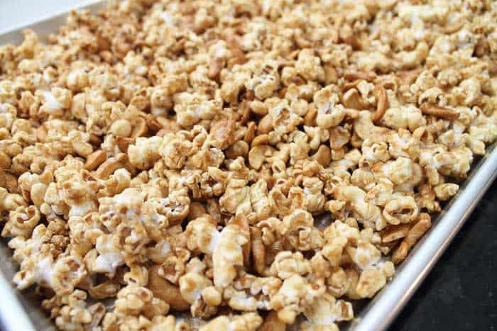 Caramel Cashew Popcorn baked closeup