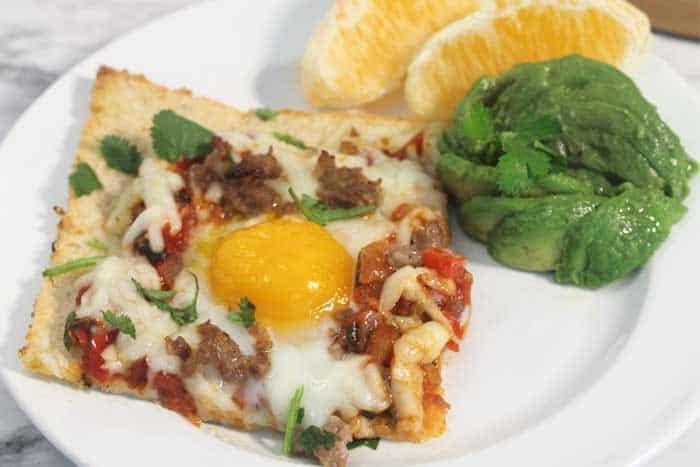 Shakshuka Breakfast Pizza single
