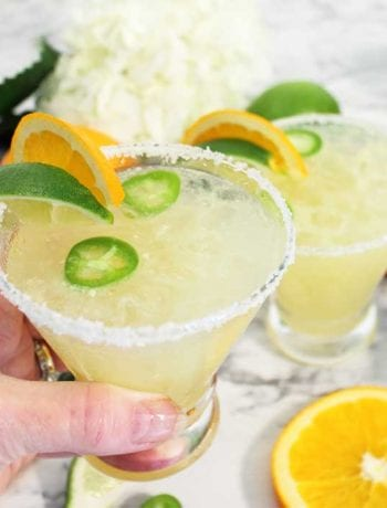 Spicy Sparkling Citrus Margarita cheers square