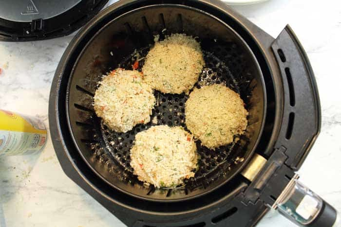Place tuna fish cakes in air fryer.